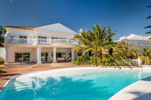Villa for sale in Puerto Banus - Marbella Guetig Group