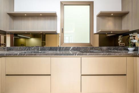 Luxurious Renovated Apartment Carré d'Or Monaco Kitchen 1