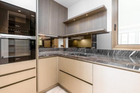 Luxurious Renovated Apartment Carré d'Or Monaco Kitchen