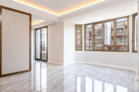 Luxurious Renovated Apartment Carré d'Or Monaco Living Room 3