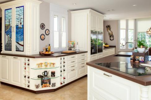 uniquie_detached_luxury_villa_in_elviria_kitchen_detail_3