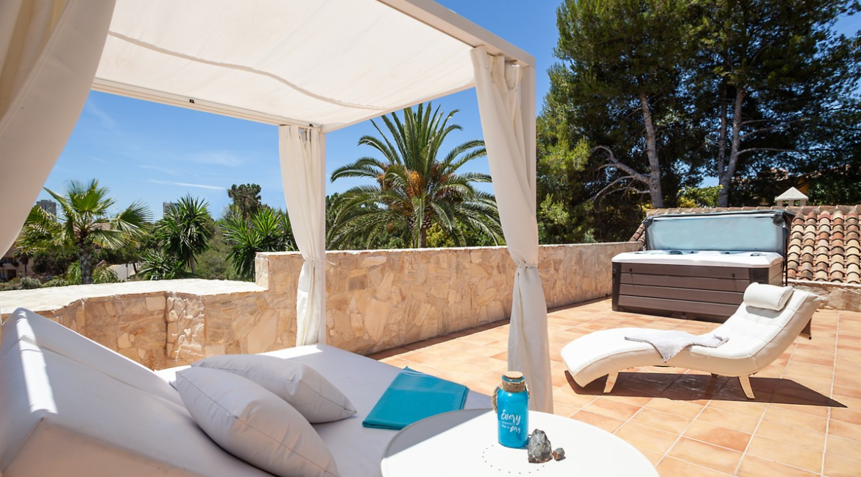 uniquie_detached_luxury_villa_in_elviria_terrace_1