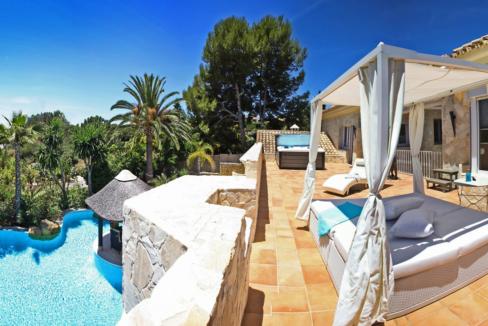 uniquie_detached_luxury_villa_in_elviria_terrace_2