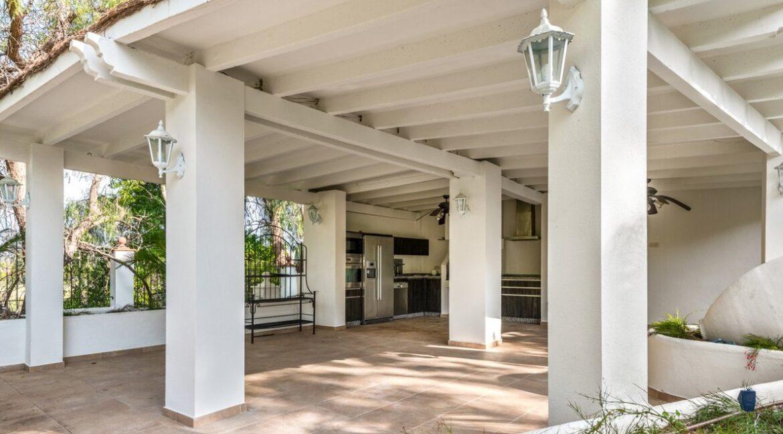 villa_for_sale_puerto_banus_top_location_barbequearea_withoutdoor_kitchen