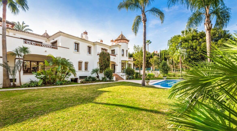 villa_for_sale_puerto_banus_top_location_garden
