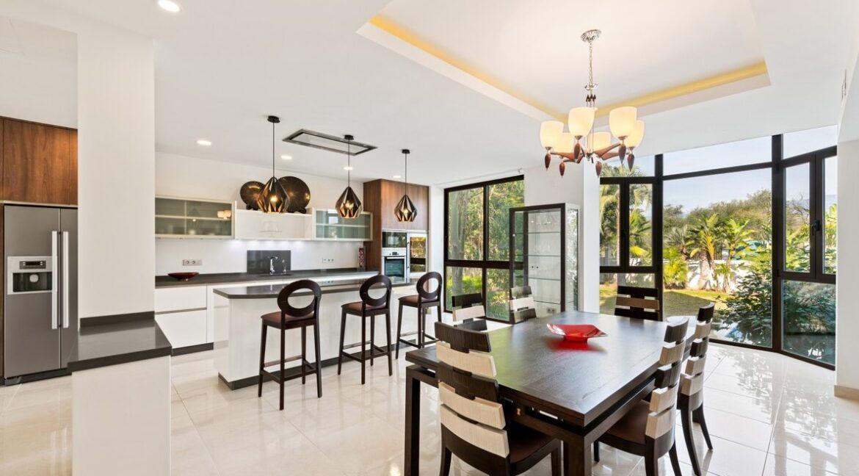 villa_for_sale_puerto_banus_top_location_kitchen
