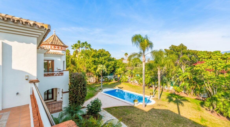 villa_for_sale_puerto_banus_top_location_pool_view