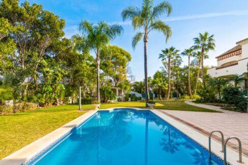 villa_for_sale_puerto_banus_top_location_pool_view_2