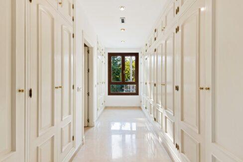 villa_for_sale_puerto_banus_top_location_room3