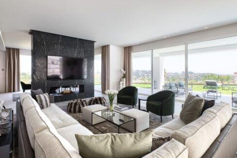 5 bedroom golf and sea view villa in El Paraiso Estepona Livingroom