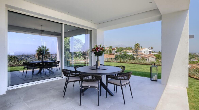 5 bedroom golf and sea view villa in El Paraiso Estepona Terrace detail