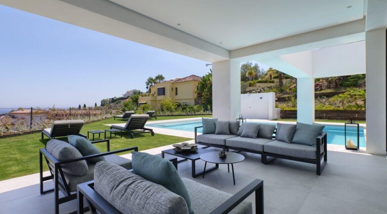 5 bedroom golf and sea view villa in El Paraiso Estepona Terrace view