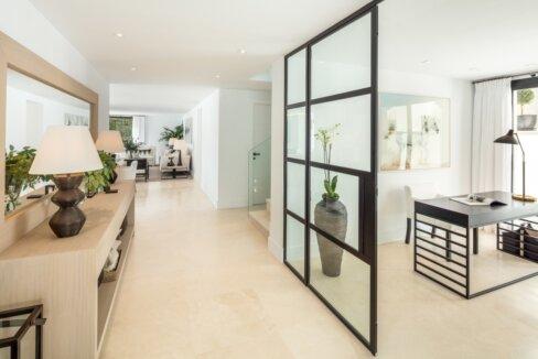 fresh_renovaded_villa_nueva_andalusia_1