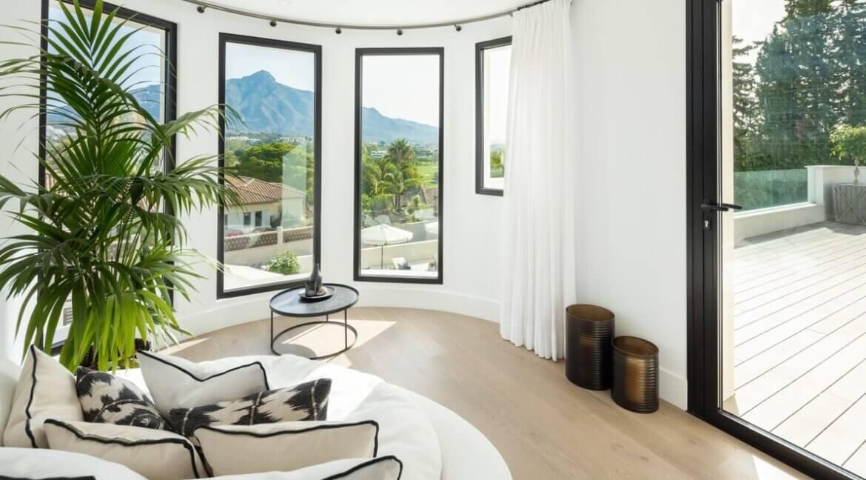 fresh_renovaded_villa_nueva_andalusia_bedroom_1
