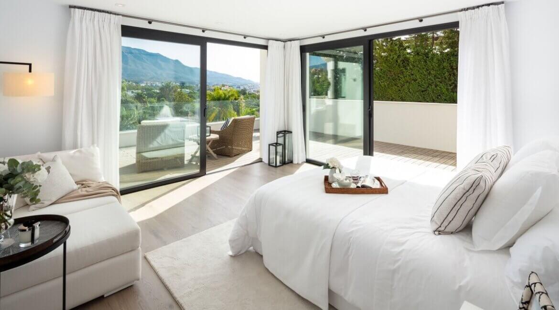 fresh_renovaded_villa_nueva_andalusia_bedroom_2