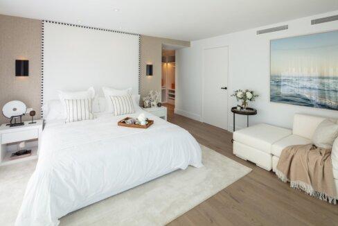 fresh_renovaded_villa_nueva_andalusia_bedroom_3