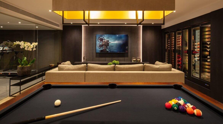 fresh_renovaded_villa_nueva_andalusia_home_cinema_wine_cooler