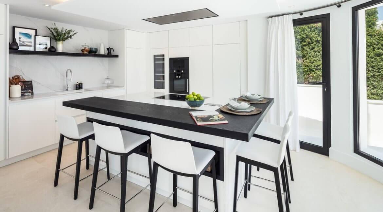 fresh_renovaded_villa_nueva_andalusia_kitchen