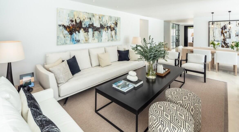 fresh_renovaded_villa_nueva_andalusia_living_room