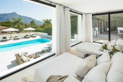 fresh_renovaded_villa_nueva_andalusia_swimming_pool_view